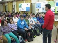 Con los alumnos del Infanta Elena que leyeron la enigmática Página 64. Me alegro de que les gustara tanto.